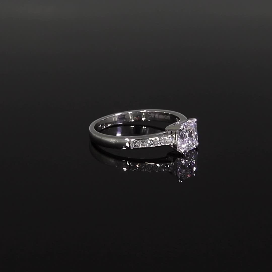 1.01CT Diamond Solitaire Ring<br /> Platinum Gatsby Setting
