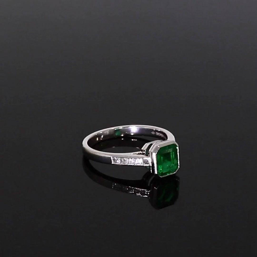 Trap Cut Emerald Ring<br /> 0.77CT in Platinum