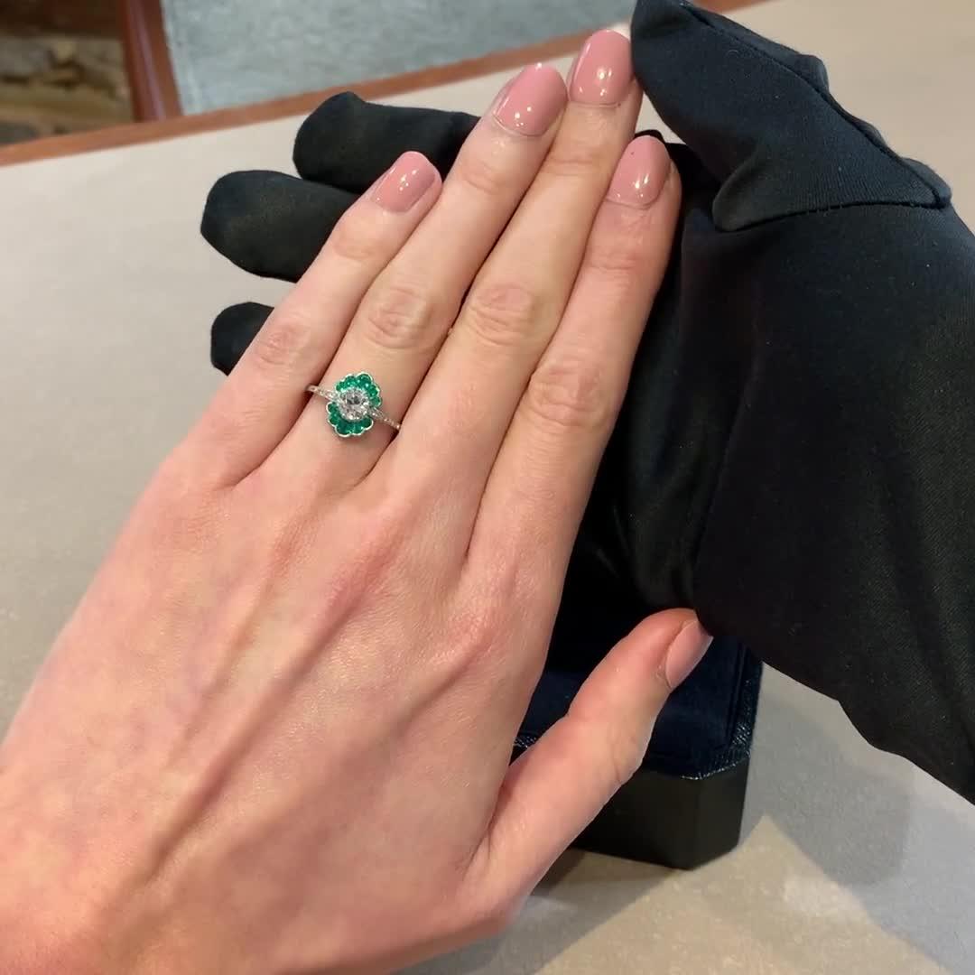 Art Deco Diamond and Emerald Ring <br /> 0.70CT in Platinum