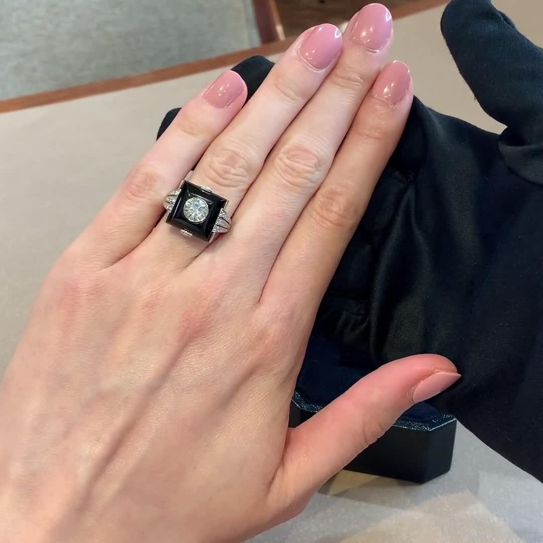Diamond & Onyx Ring<br /> 1.01CT in Platinum