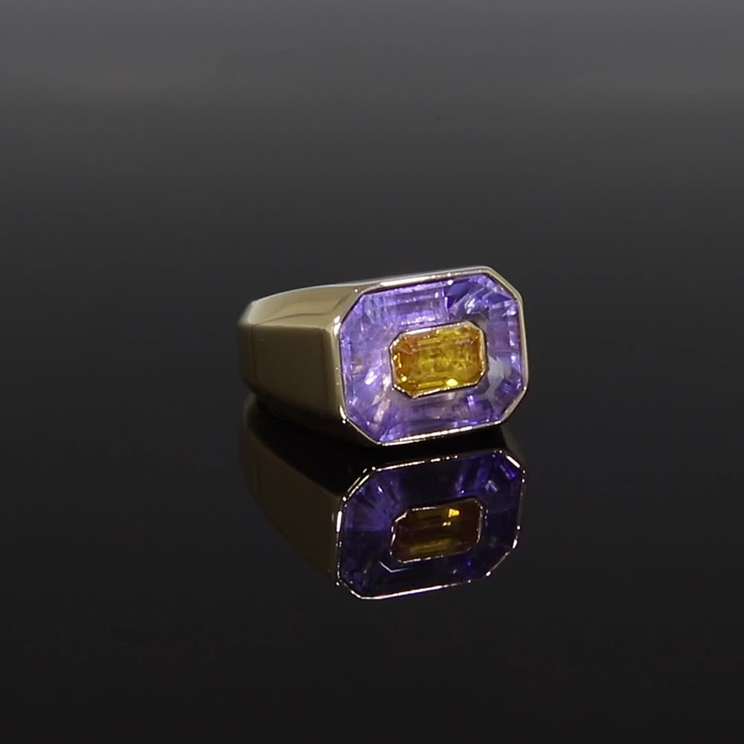 French Blue & Yellow Sapphire Ring<br /> 5.50Ct in Yellow Gold