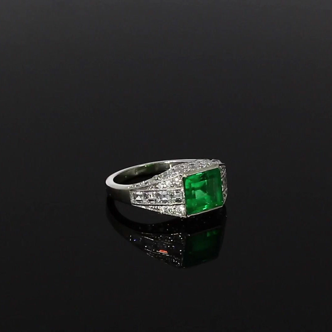 Art Deco Emerald and Diamond  Ring<br /> 2.00CT in Platinum