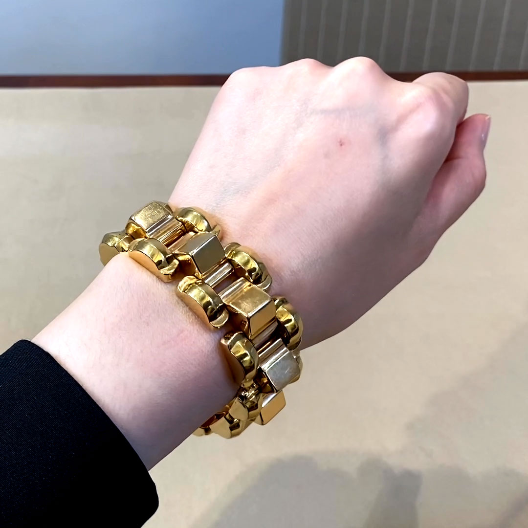 Retro Chunky Link Bracelet <br /> in Yellow Gold