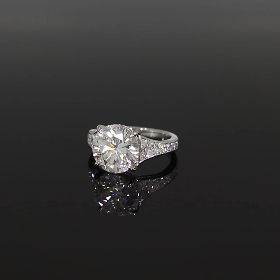 5601182_v GIA Certified with French Cut Diamond Shoulders_501