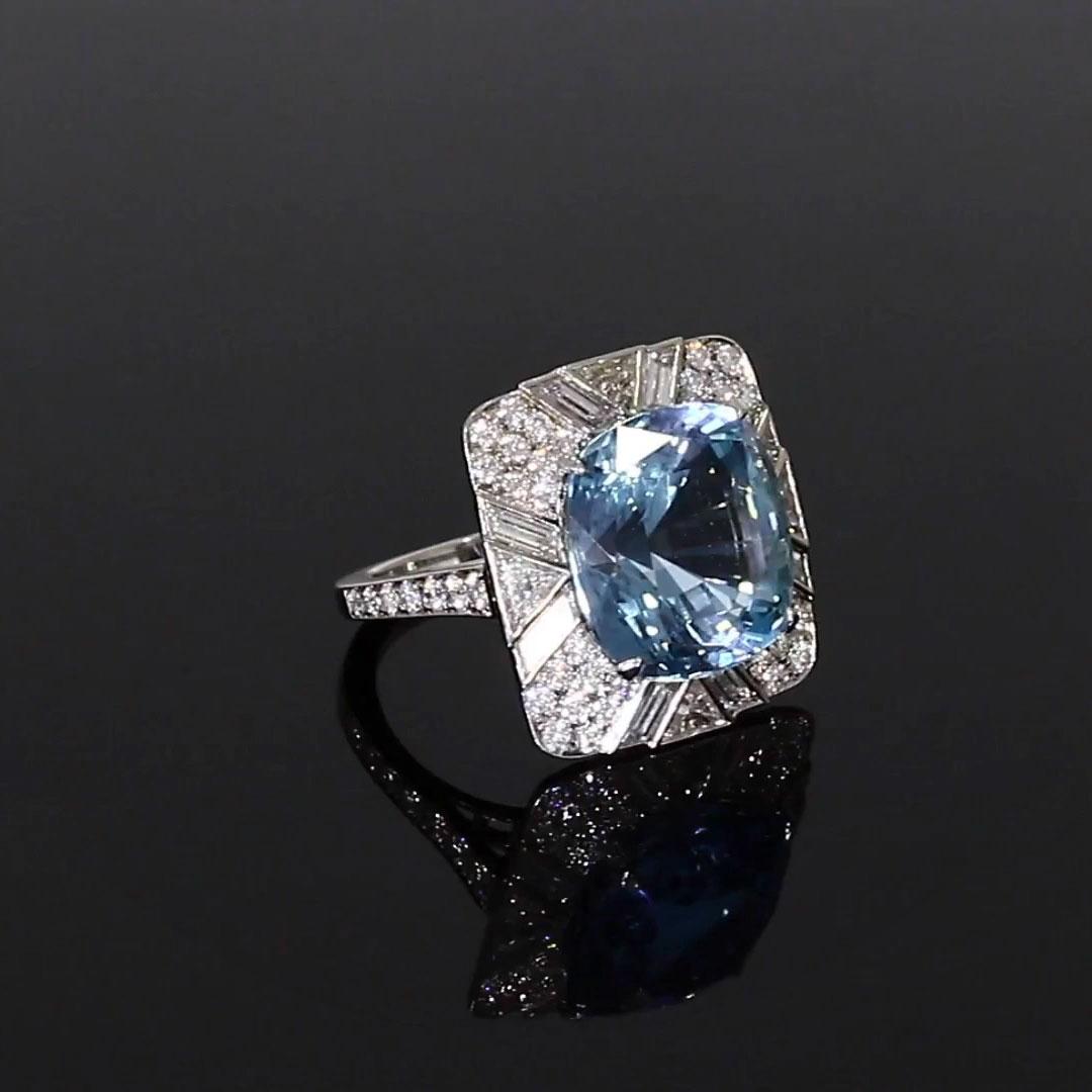 5611078_v501 Cushion Cut with a Diamond Surround_501