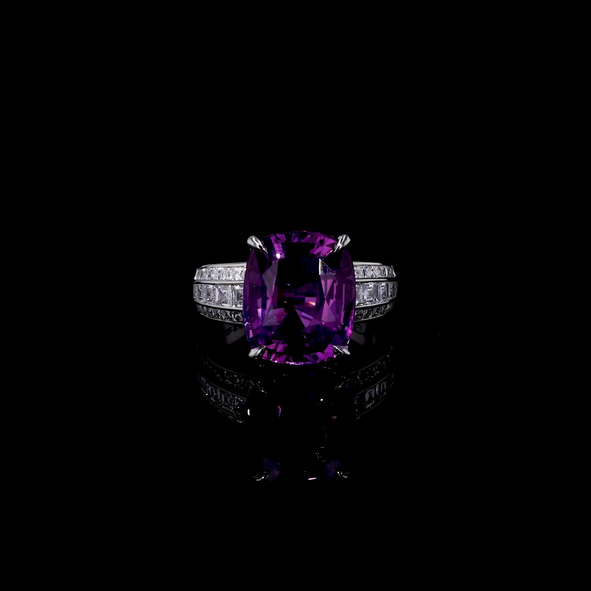5611120_v501 Unheated with a Diamond & Black Jade Band_501