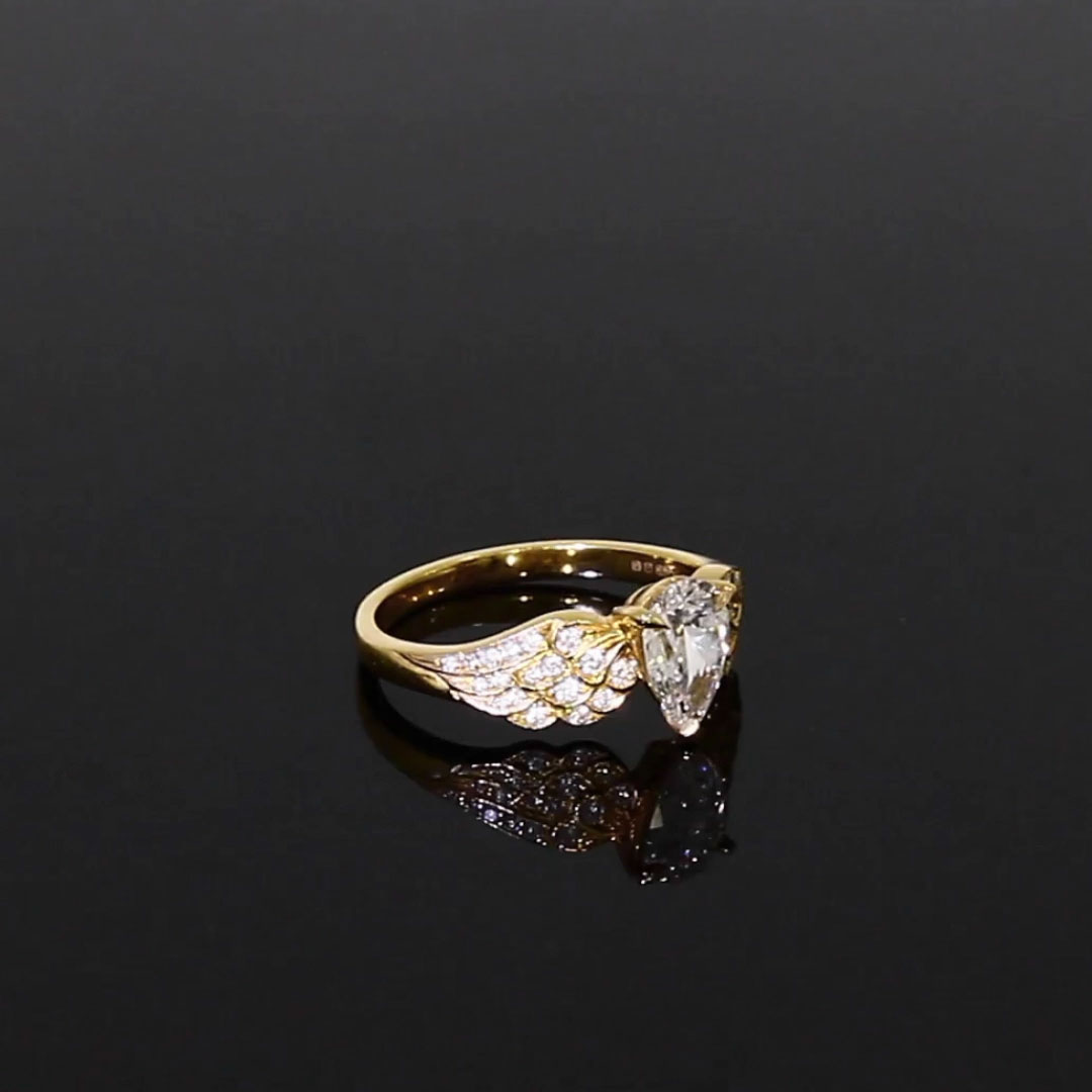 Tiara Pear and Brilliant Diamond Ring <br /> 0.82ct in Yellow Gold