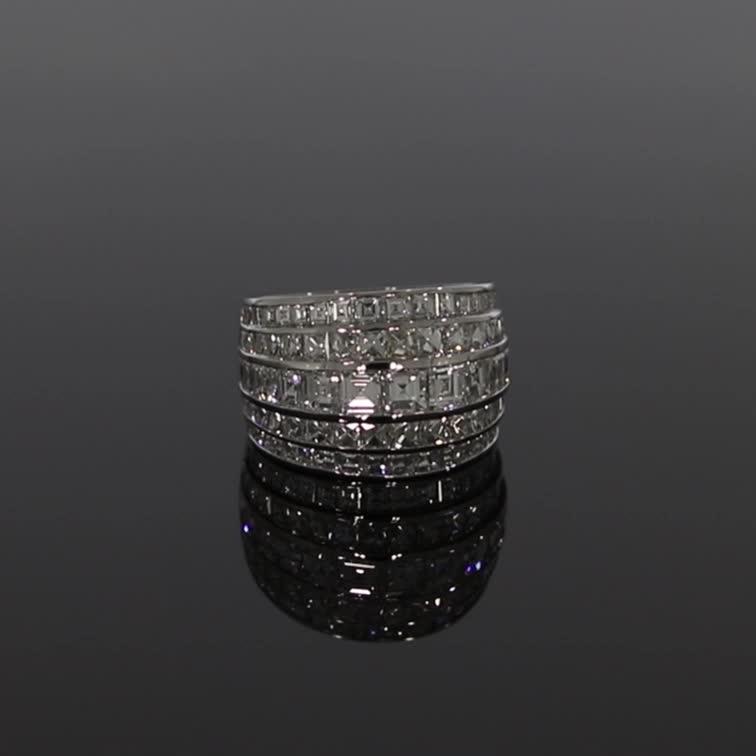 Manhattan Classic Diamond Ring <br /> 4.06CT in Platinum